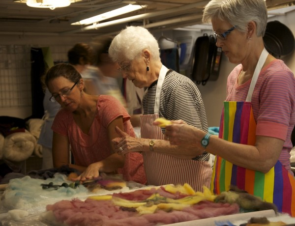 Feltmaking workshop in progress with Jodi instructing.